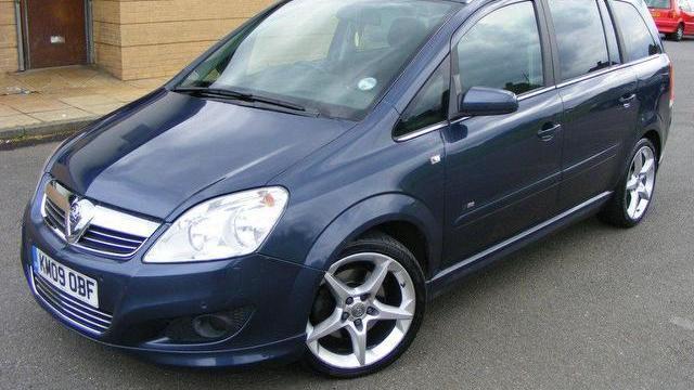 A Vauxhall Zafira